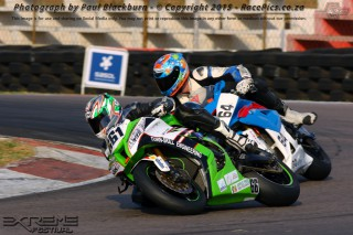 Daryn Upton (Turn-Skill Kawasaki) and Garrick Vlok (Diamond Core BMW) fought for victory in Thursday's Thunderbike races