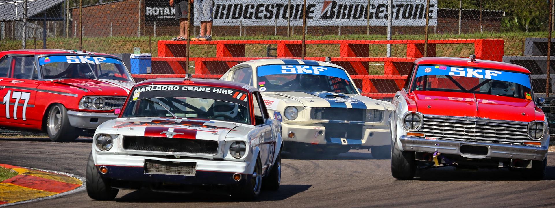 Spectacular historic car action at Zwartkops Raceway - 7 April 2018