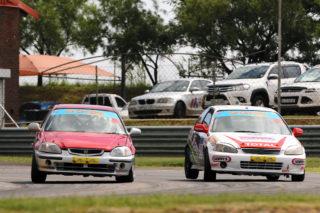 Jonathan du Toit (TAR Honda Civic) took both the Car Clinic SuperHatch heats