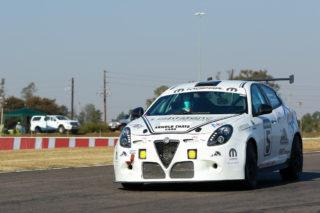 Theo van Vuuren/ Keegan Ward (Alfa Giulietta) could win the Saloon car category in Saturday's Mopar Endurance race. Picture: RacePics.co.za